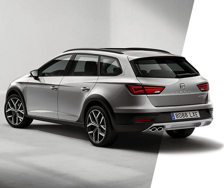 New SEAT Leon X-PERIENCE lateral view