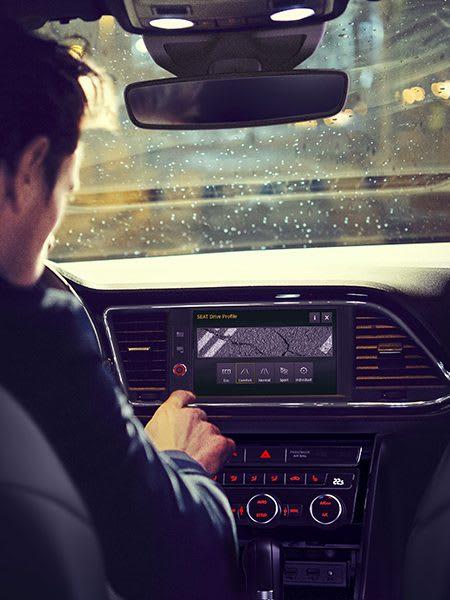 New SEAT Leon CUPRA advance technology