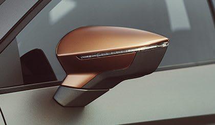 New SEAT Leon CUPRA R front grill cooper logo