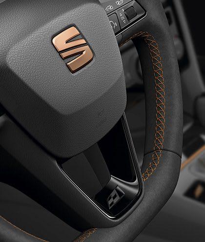 New SEAT Leon CUPRA R steering wheel cooper gear stitch knob