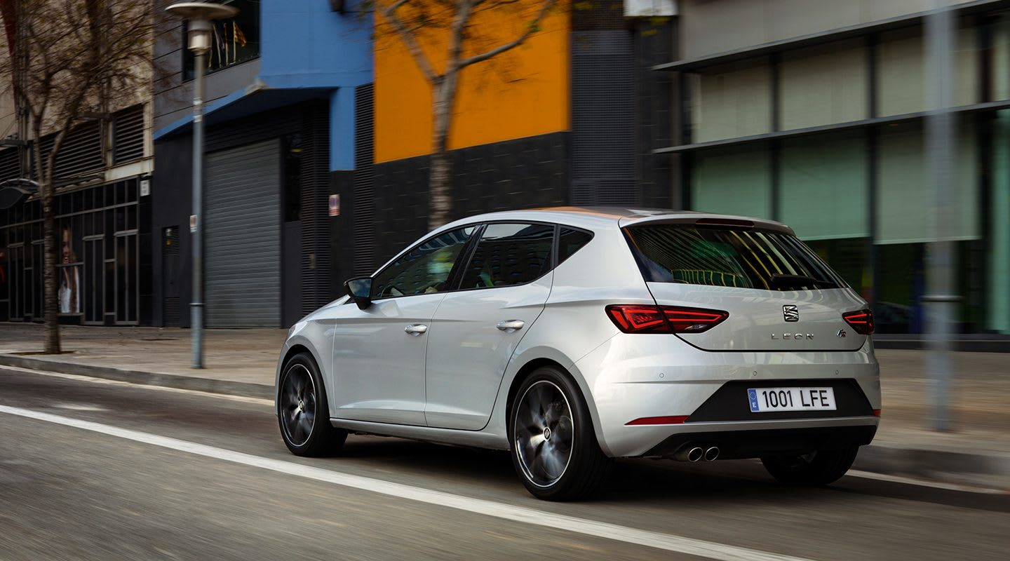 New SEAT Leon 5D urban car