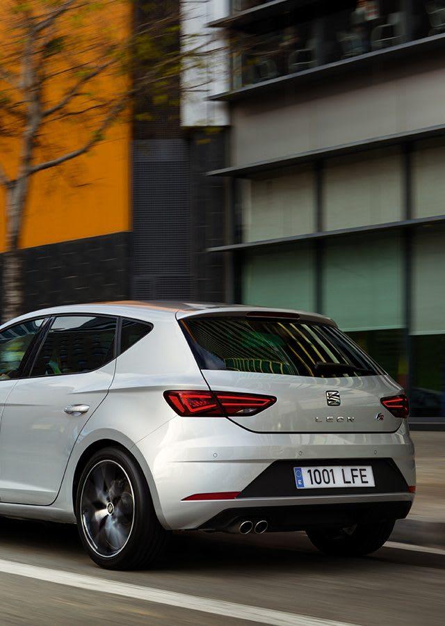 New SEAT Leon 5D urban car
