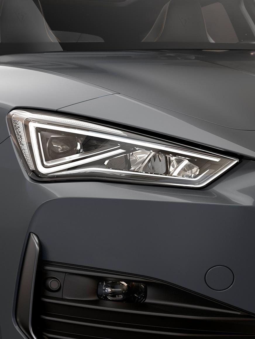 LED-Scheinwerfer des neuen CUPRA Leon Sportstourer eHybrid Familiensportwagens in Graphene Grey