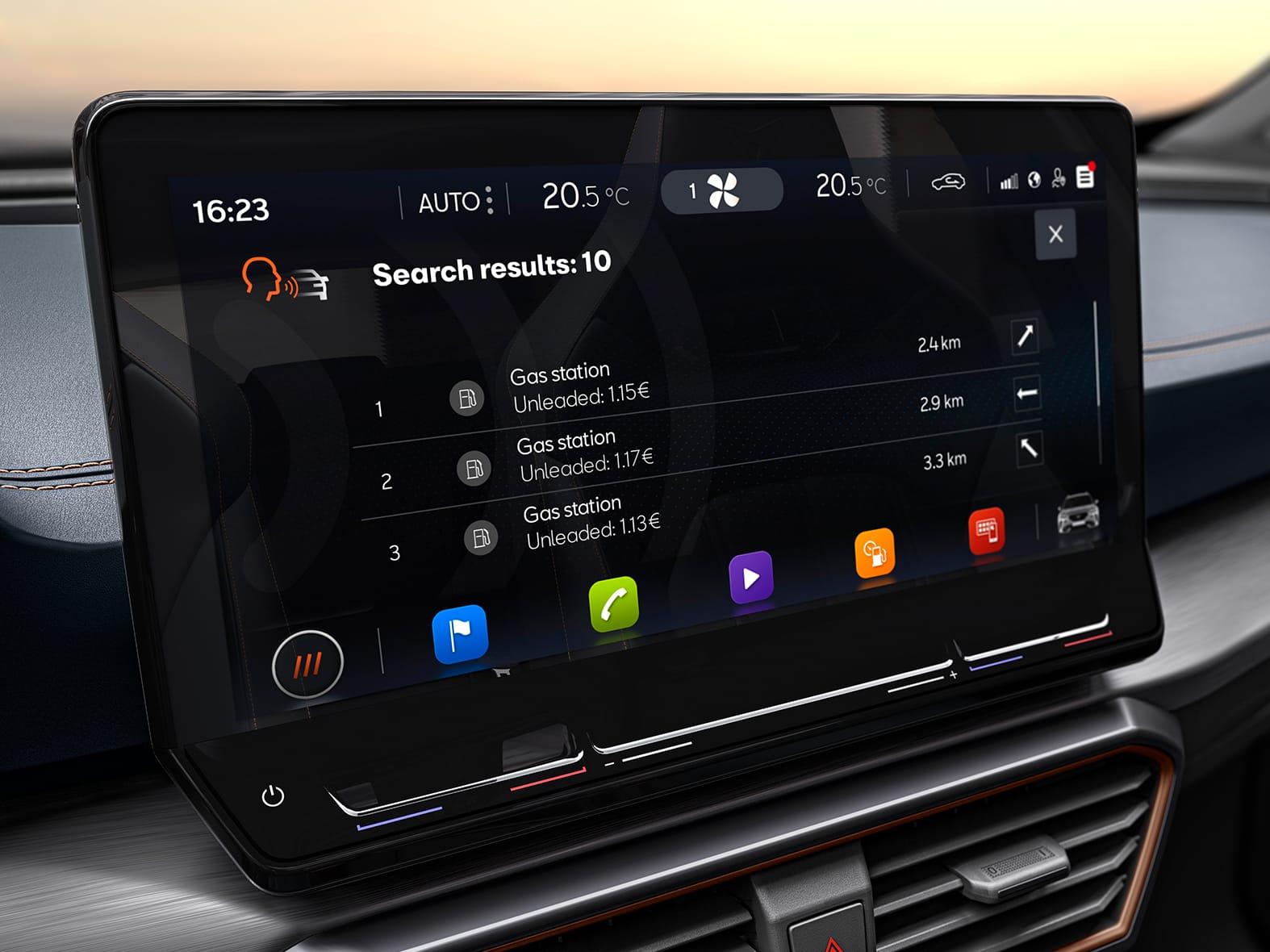 cupra connect, système d'info-divertissement à commande vocale pour trouver les stations-service les plus proches et leurs tarifs