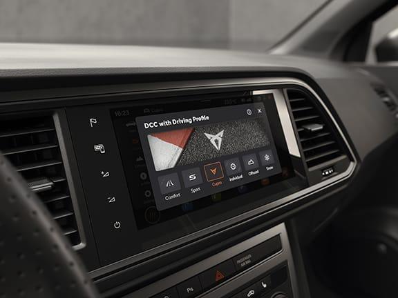 Passez au mode de conduite CUPRA pour savourer pleinement la puissance haute performance.