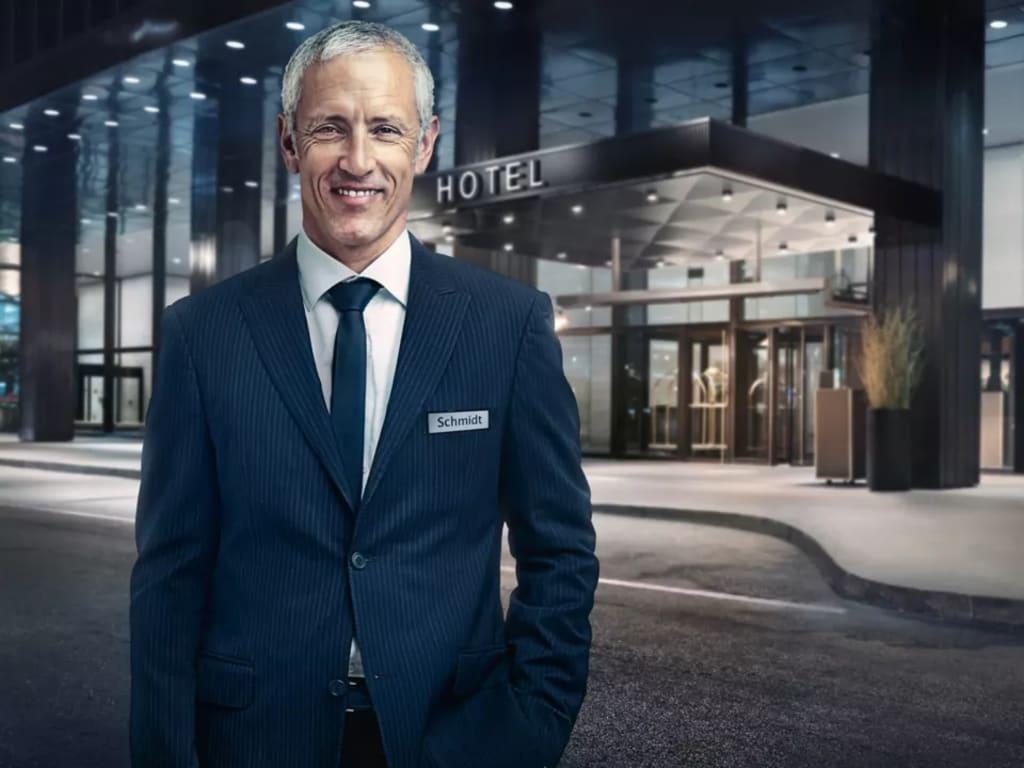 em0266-vw-hotel-manager-portrait