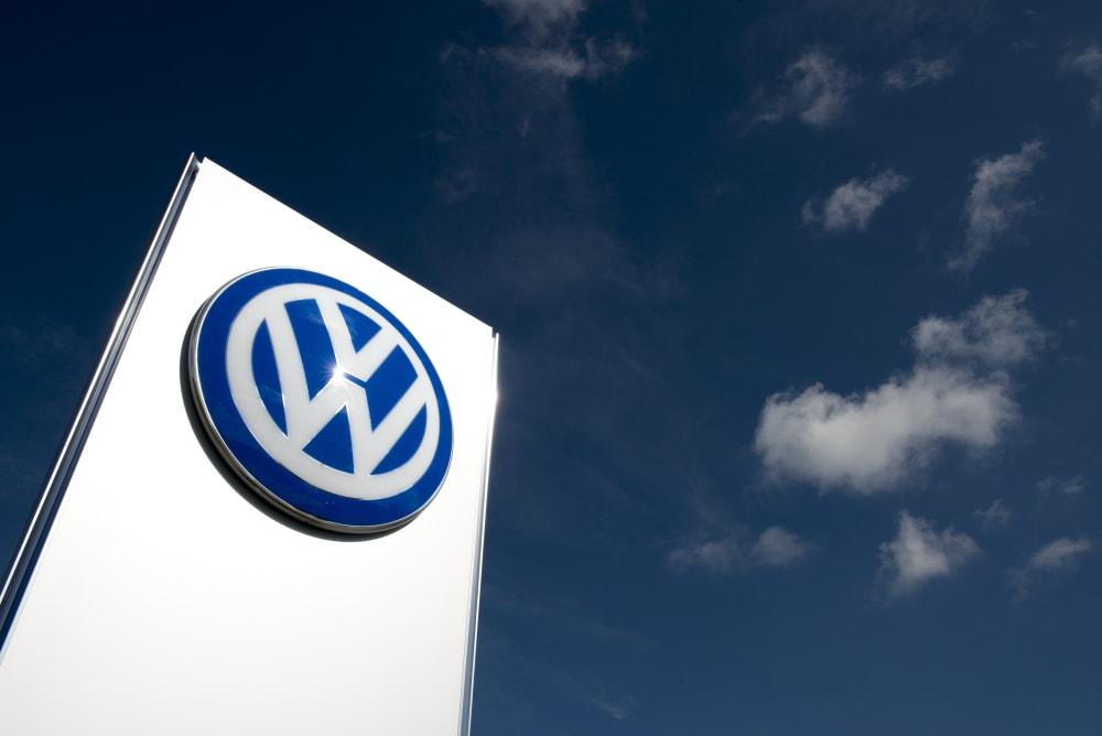 VW_Autocenter_Teamfoto_Gebaeude(07 von 07)