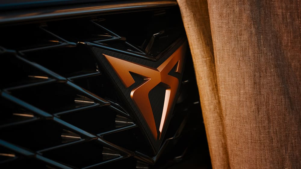 new-cupra-formentor-compact-suv-with-2-litre-310-hp-engine