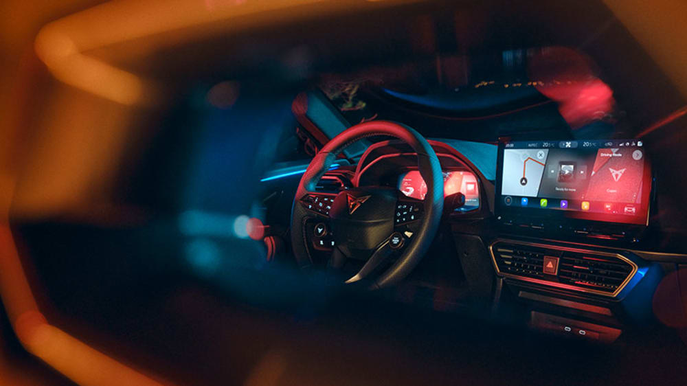 new-cupra-formentor-compact-suv-with-connectivity-technology