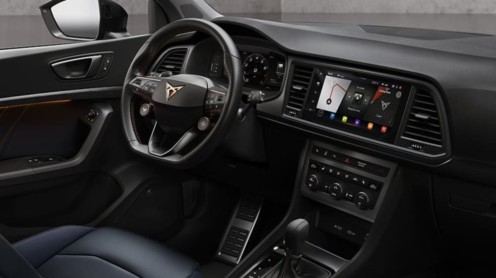 cupra-ateca-2020-steering-wheel-and-DSG-automatic-gearbox
