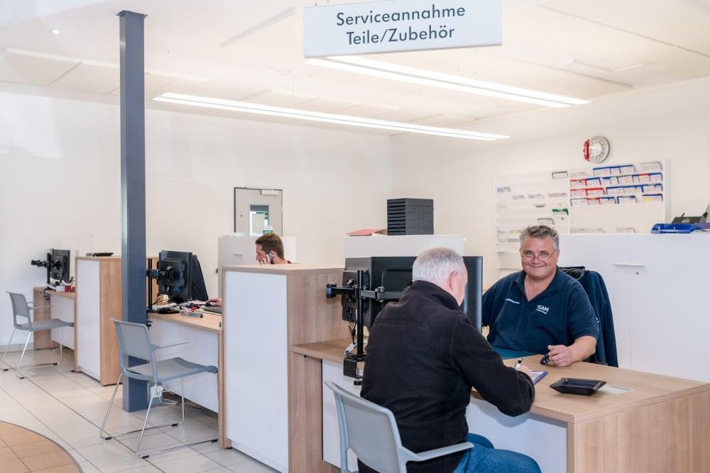 0 Kundendienst 1