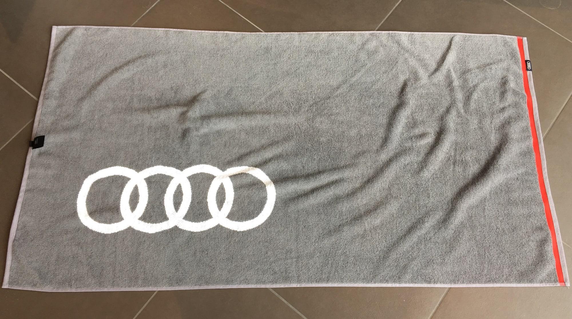 Audi Badetuch