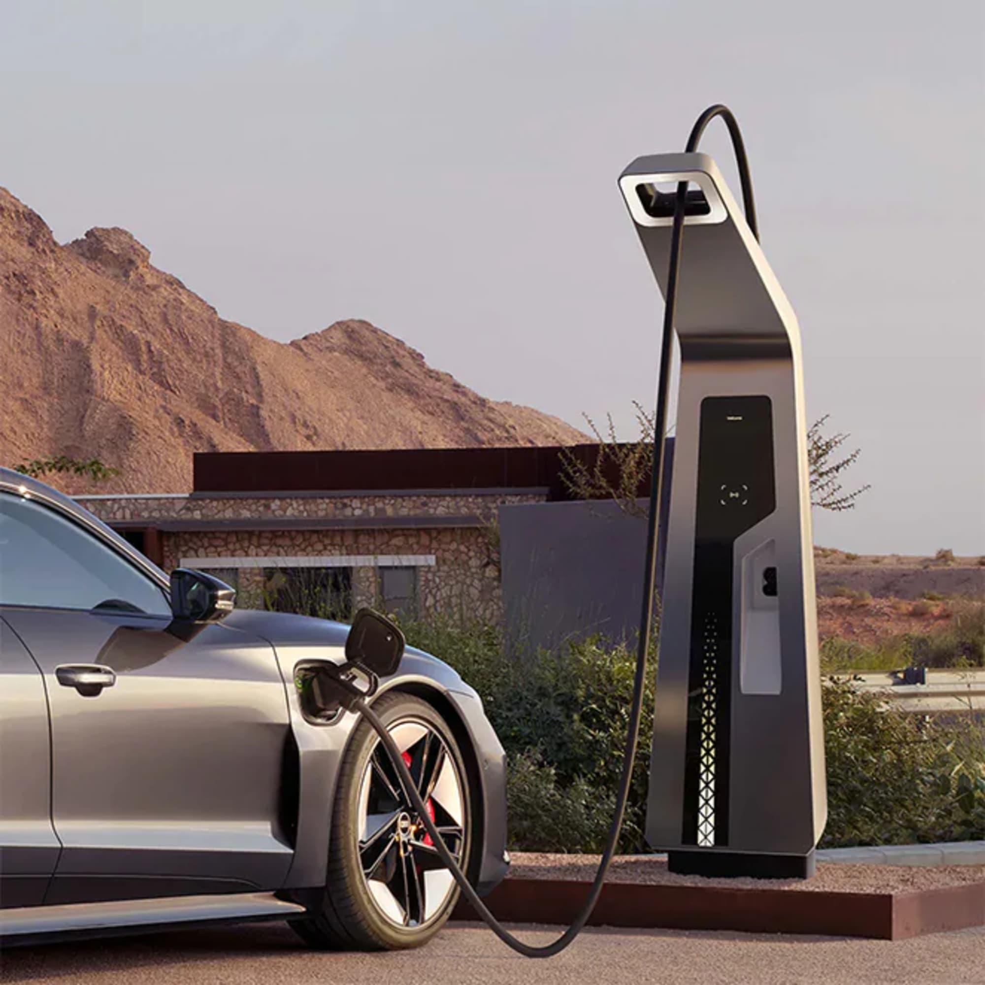 730x730-audi-rs-e-tron-gt-charging