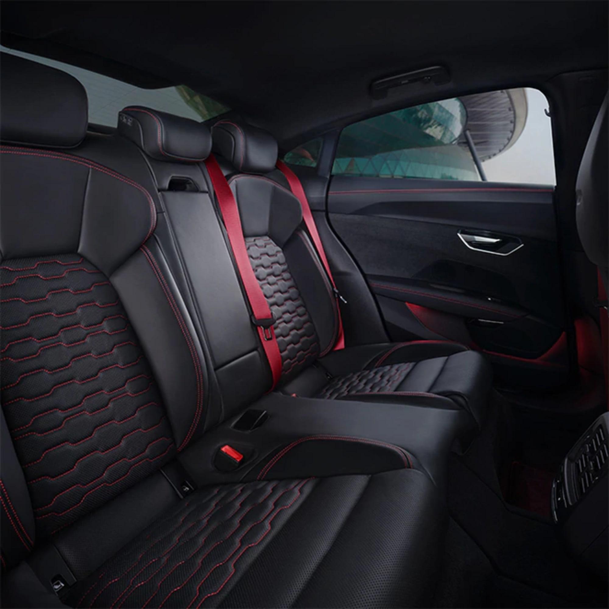 730x730-audi-rs-e-tron-gt-rear-seats